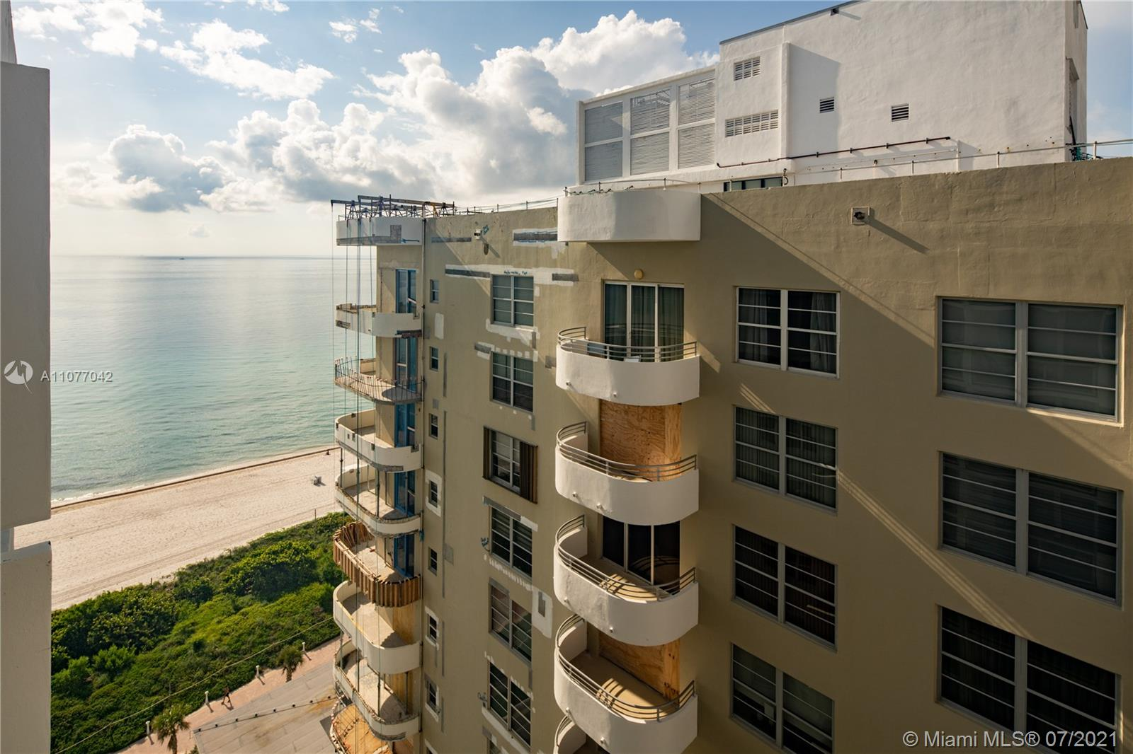 5601 Collins Ave #1714 photo09
