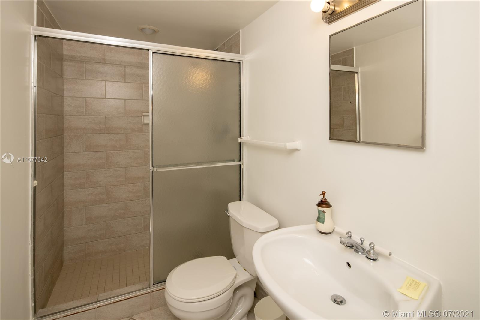 5601 Collins Ave #1714 photo011