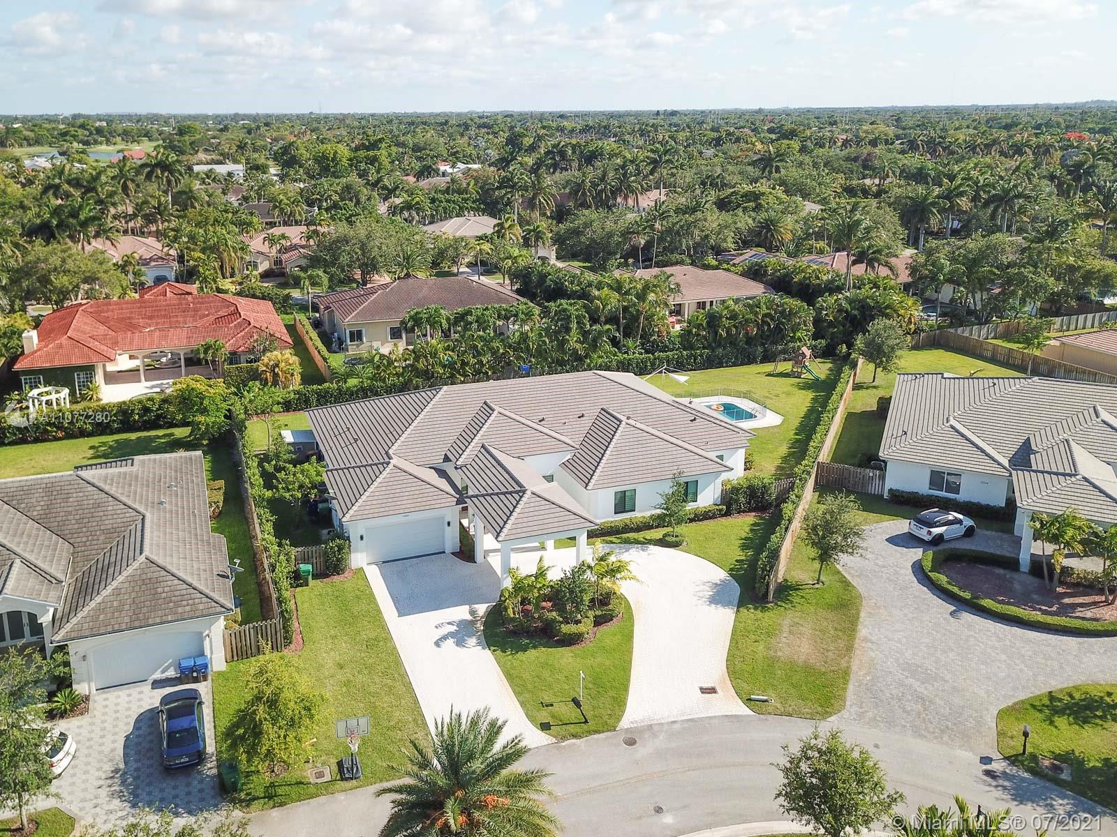 Oak Ridge Falls - 9484 SW 123rd Ter, Miami, FL 33176