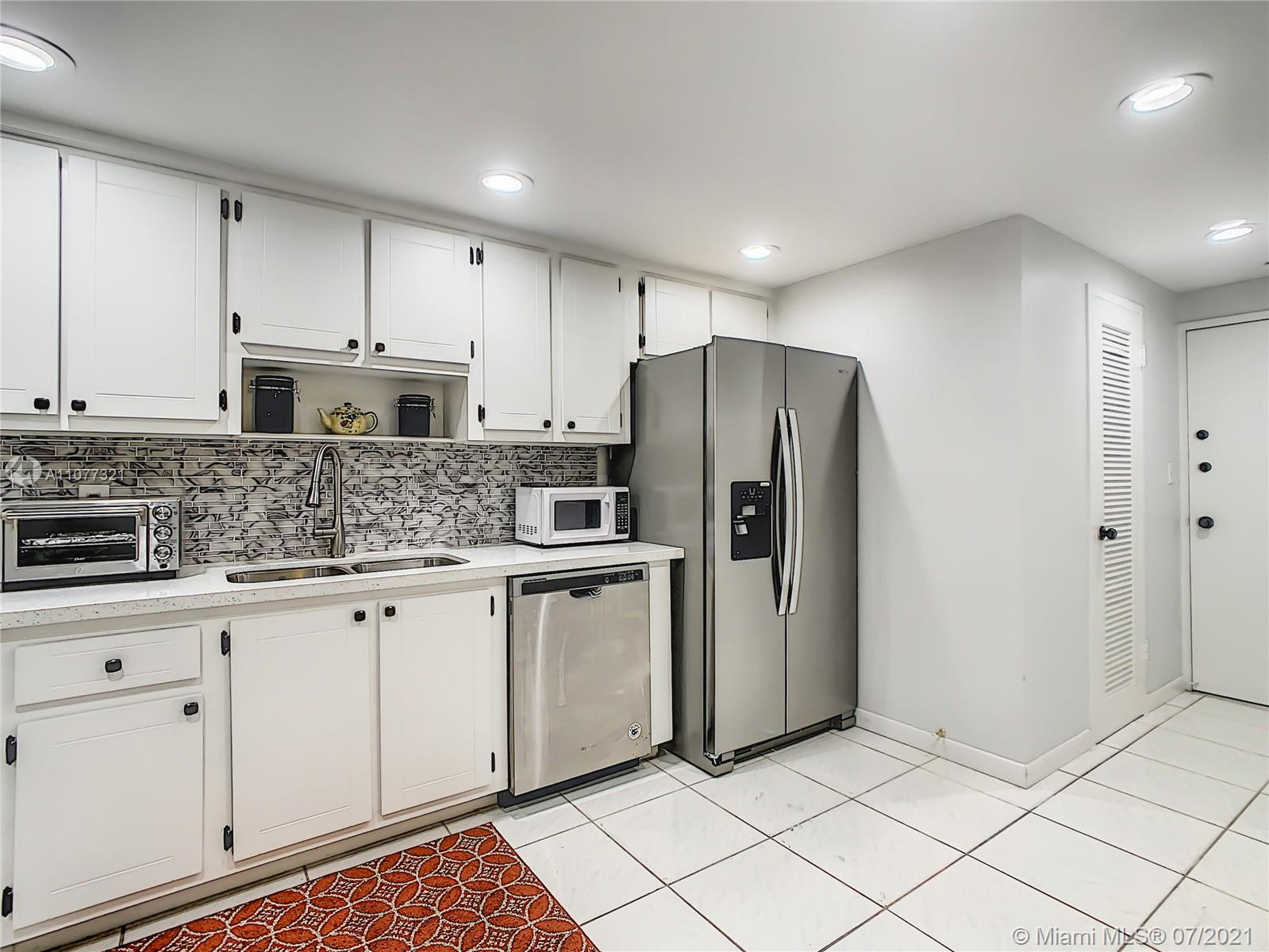 5825 Collins Ave #2F photo013
