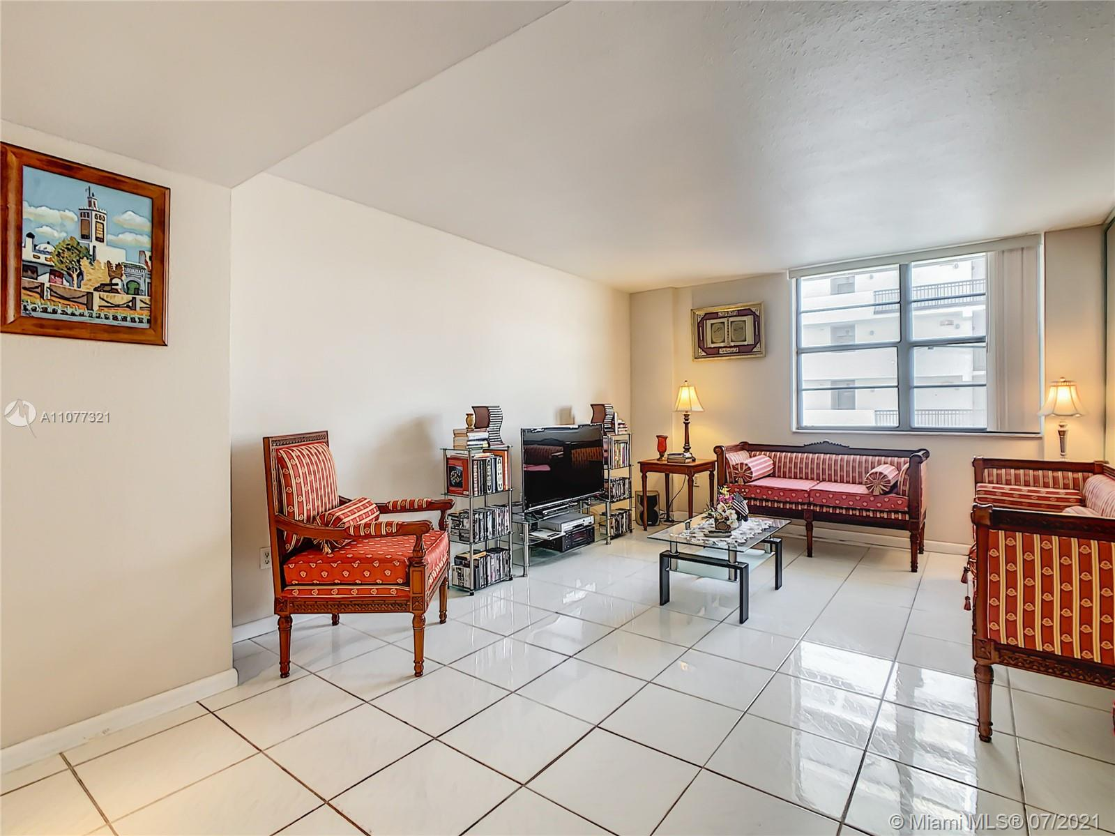 5825 Collins Ave #2F photo08