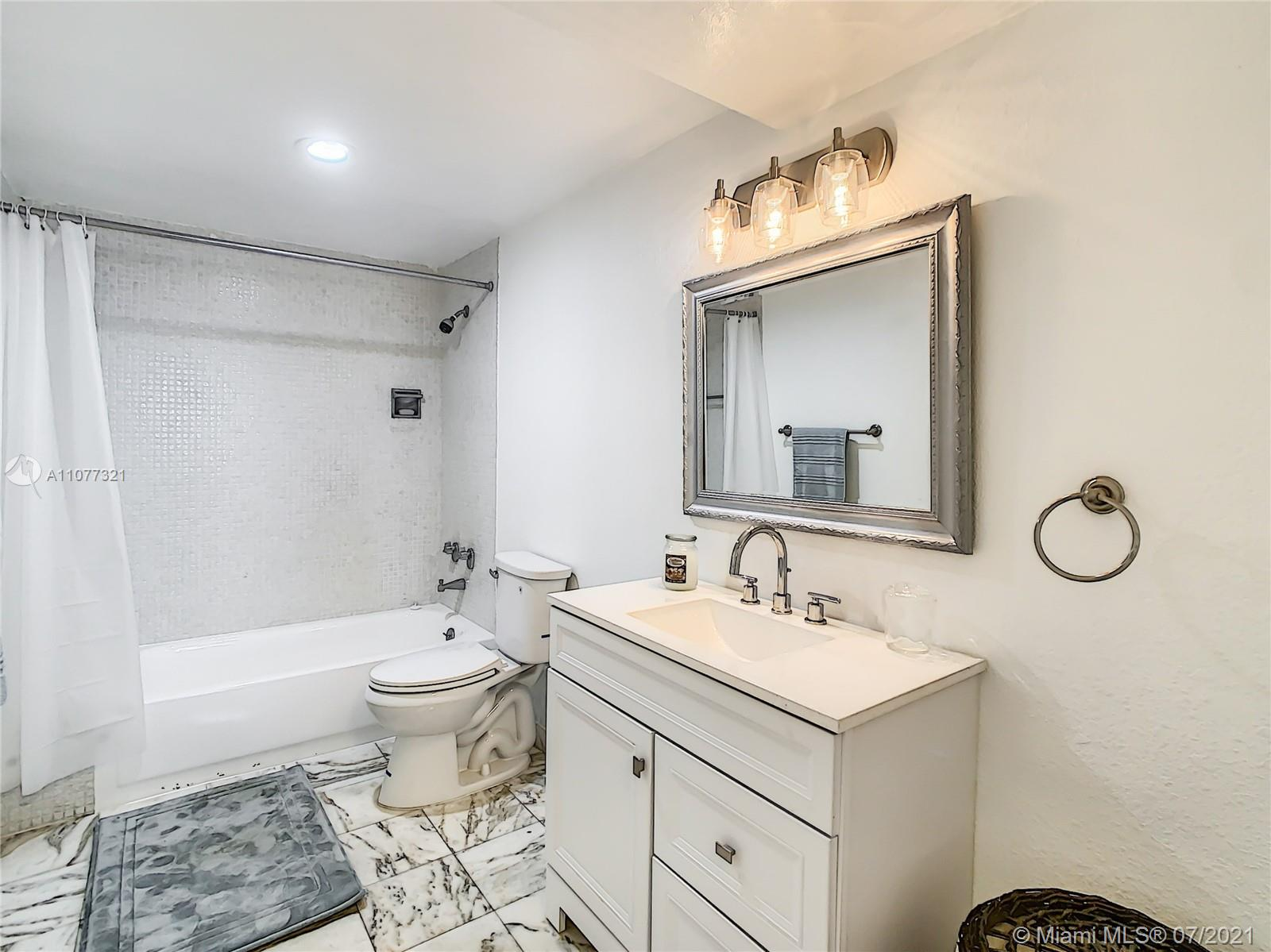 5825 Collins Ave #2F photo021