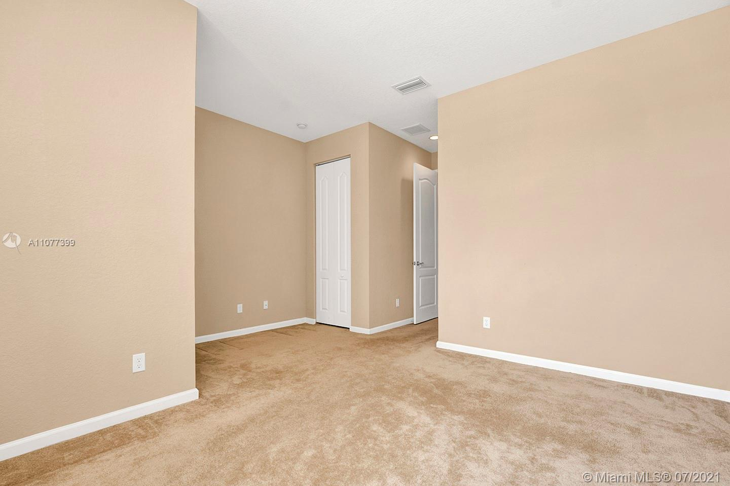2616 SW 81st Ave #1007 photo027