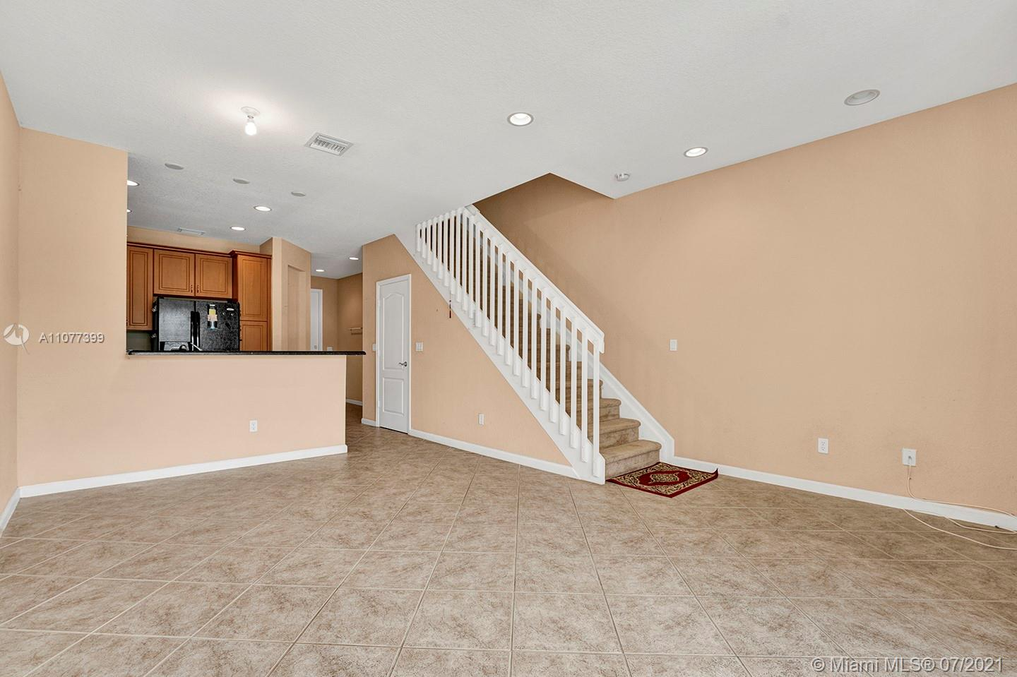 2616 SW 81st Ave #1007 photo03