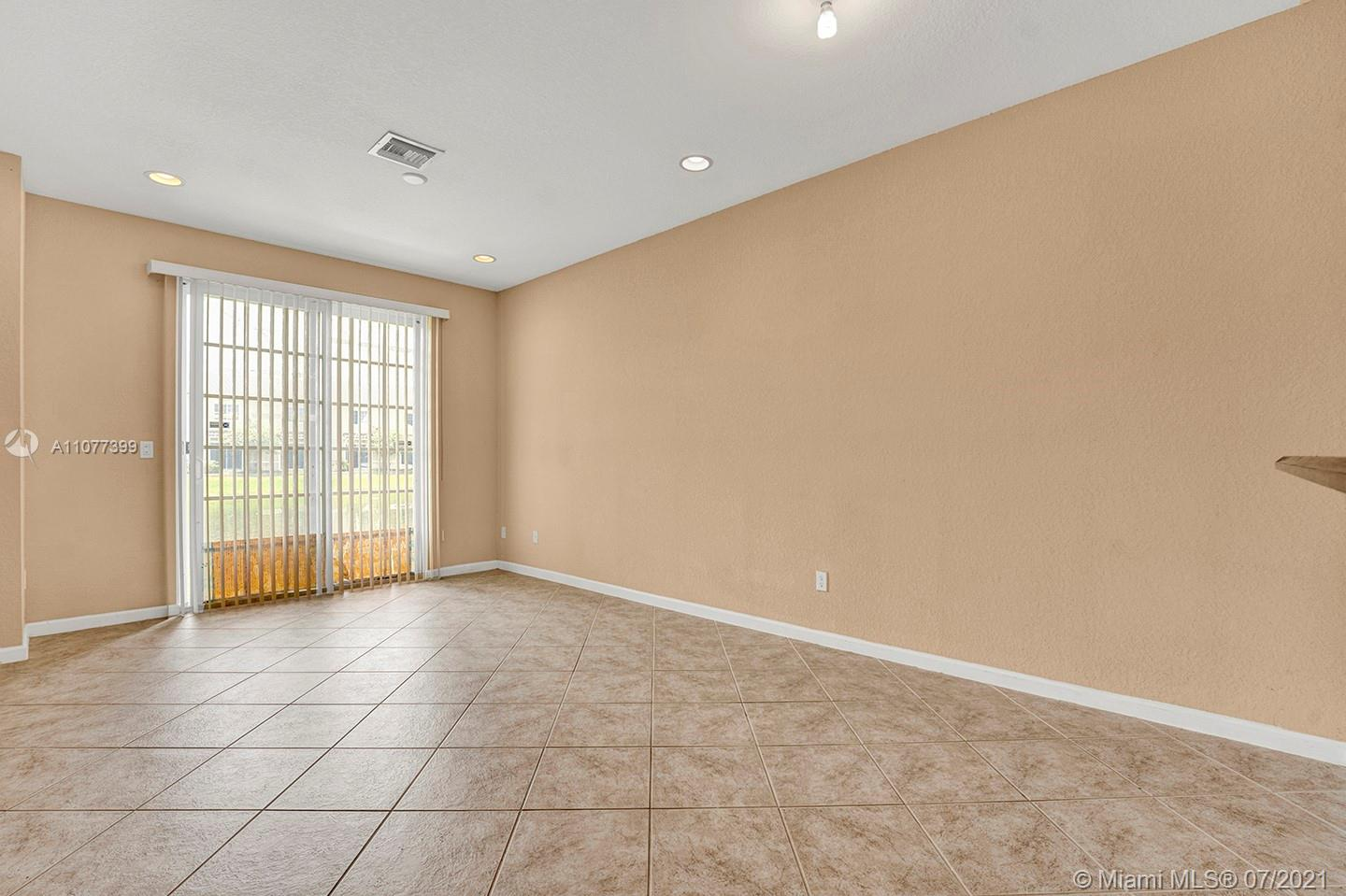 2616 SW 81st Ave #1007 photo031