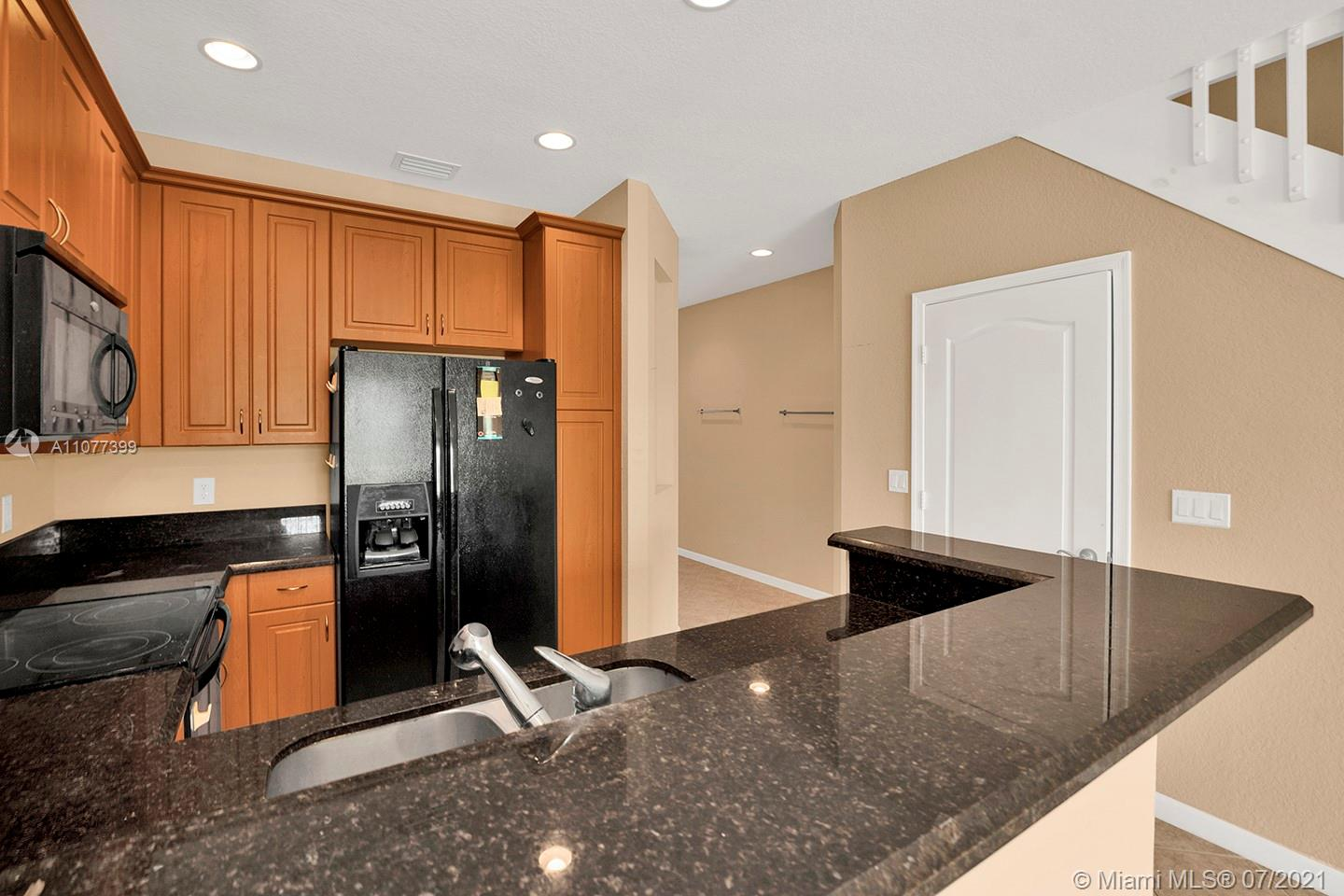 2616 SW 81st Ave #1007 photo08