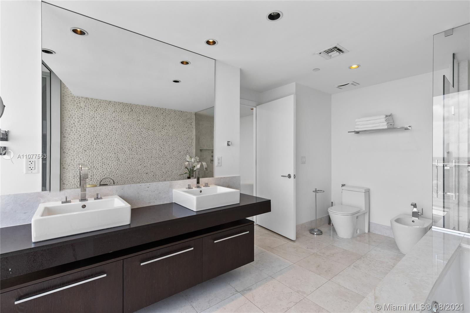 17121 Collins Ave #1408 photo051