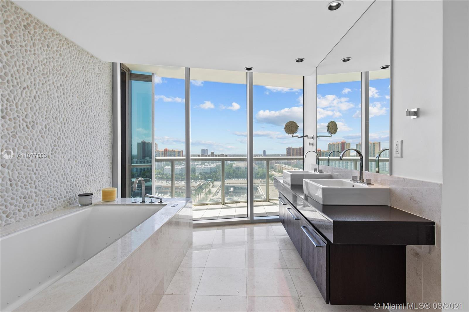 17121 Collins Ave #1408 photo050