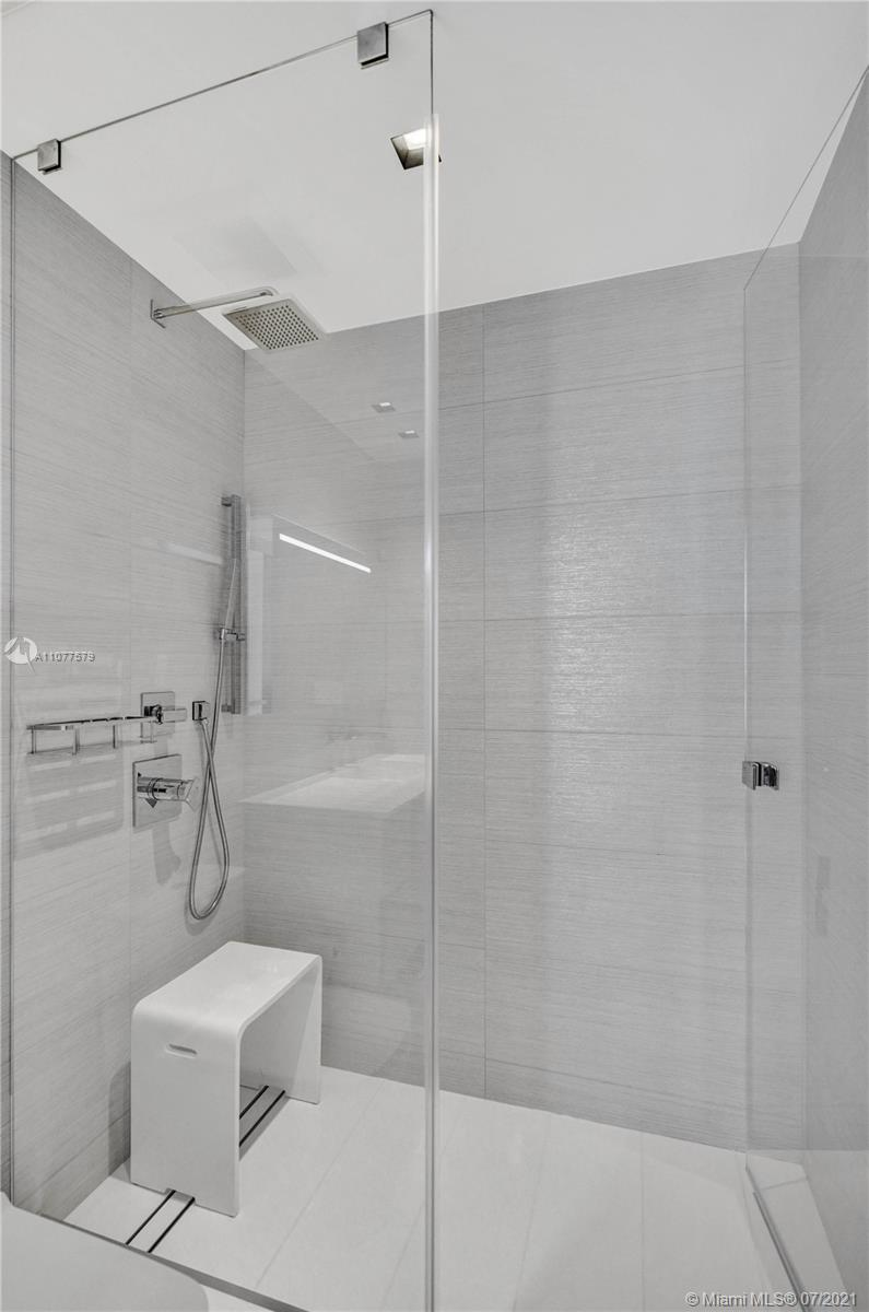 18911 Collins Ave #2301 photo023