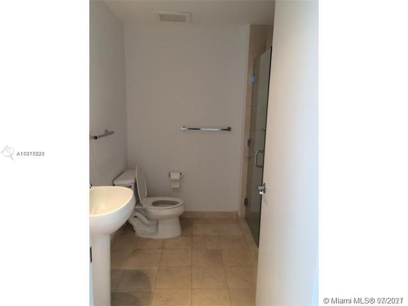 1060 Brickell East Tower #614 - 1050 Brickell Ave #614, Miami, FL 33131