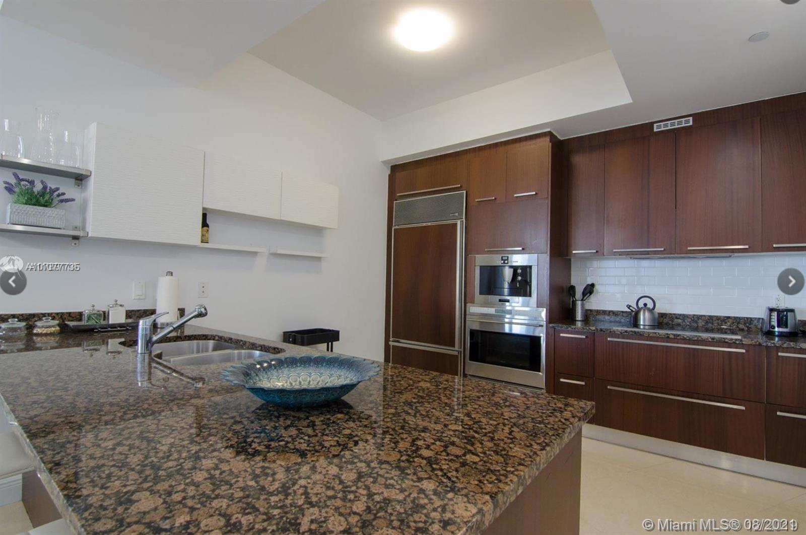 15901 Collins Ave #603 photo07