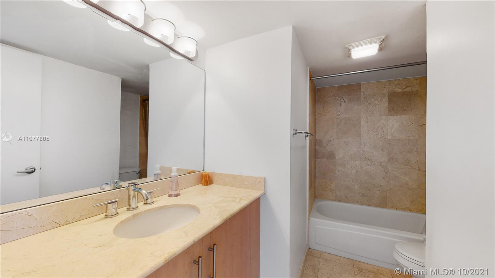 10275 Collins Ave #810 photo014