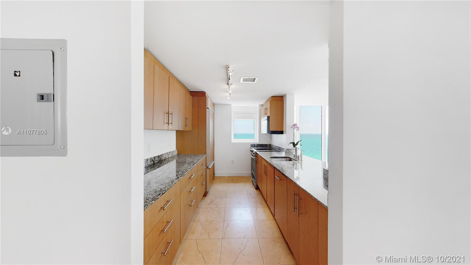 10275 Collins Ave #810 photo08