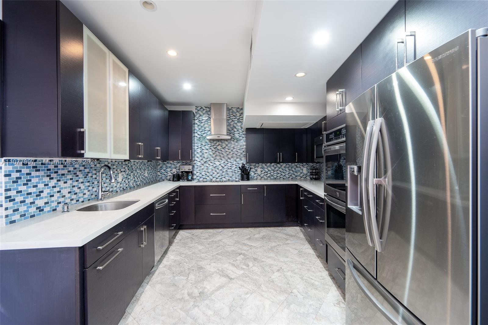 5255 Collins Ave #2A photo02