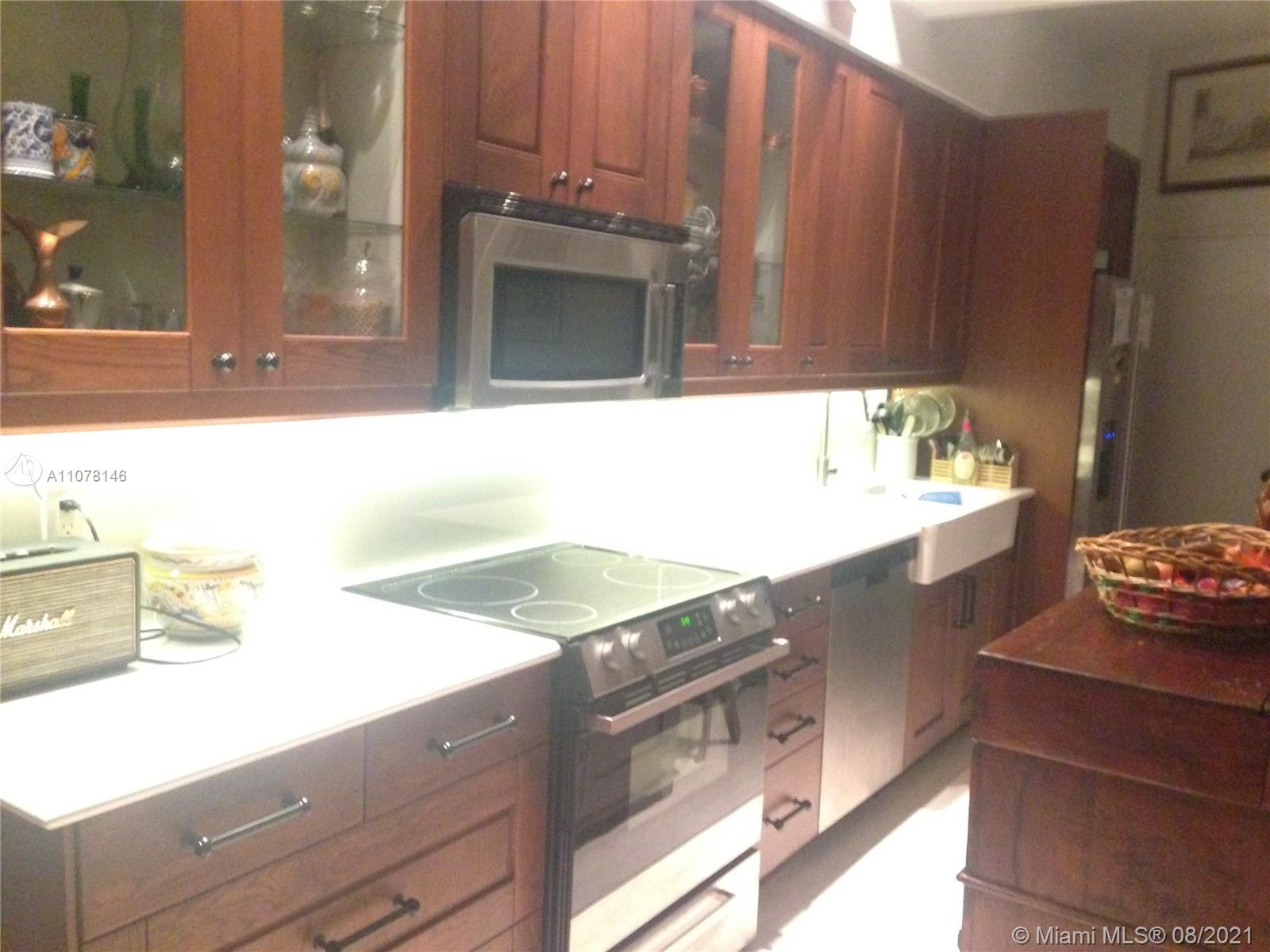 2899 Collins Ave #PHB photo013