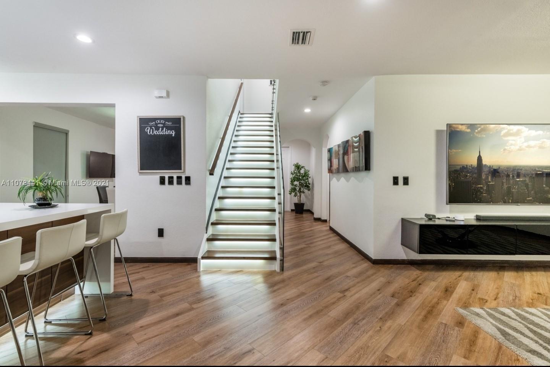 Photo of 16951 SW 90th Terrace Cir, Home
