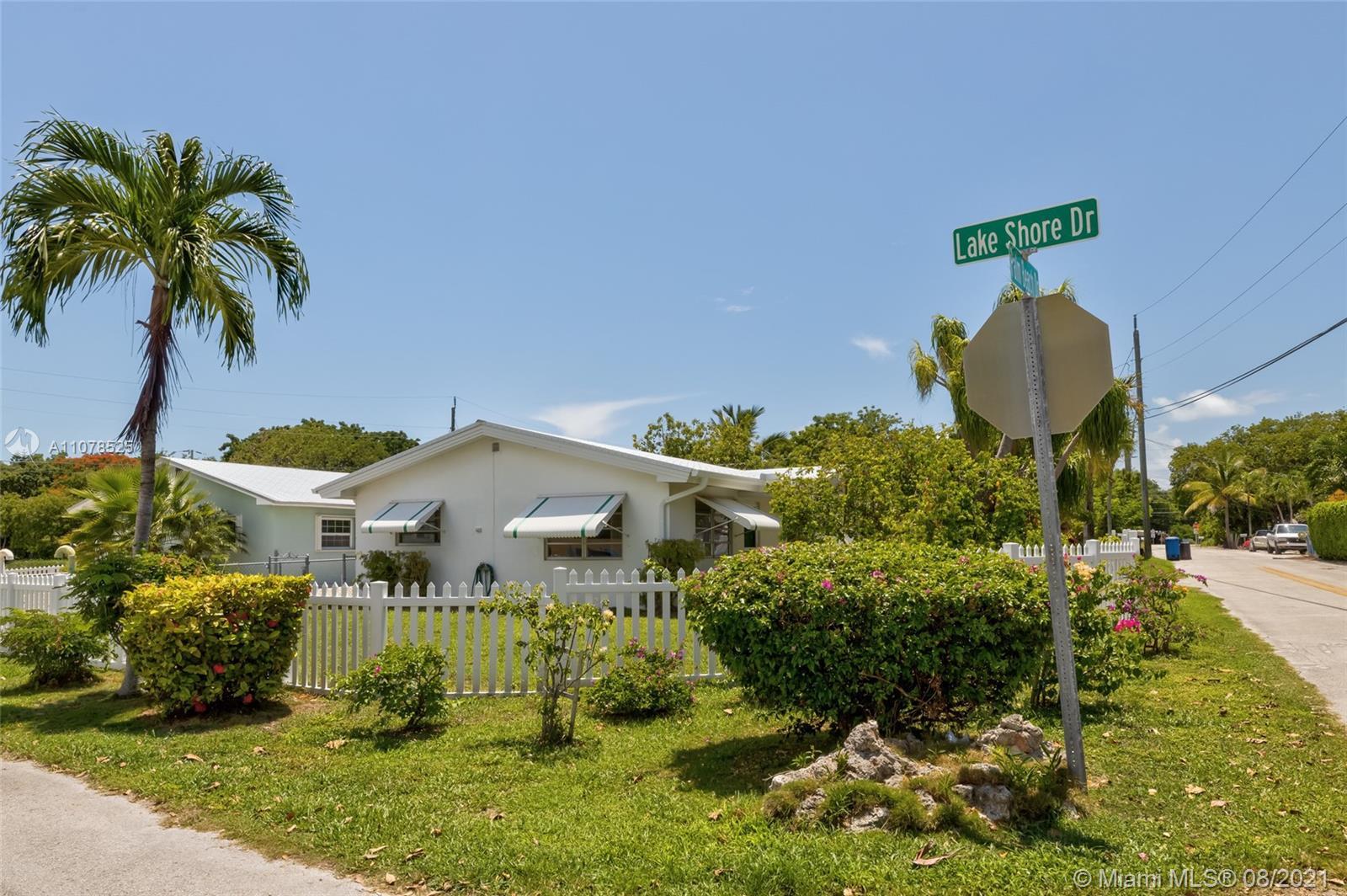 Photo of 13 Palm Beach Dr