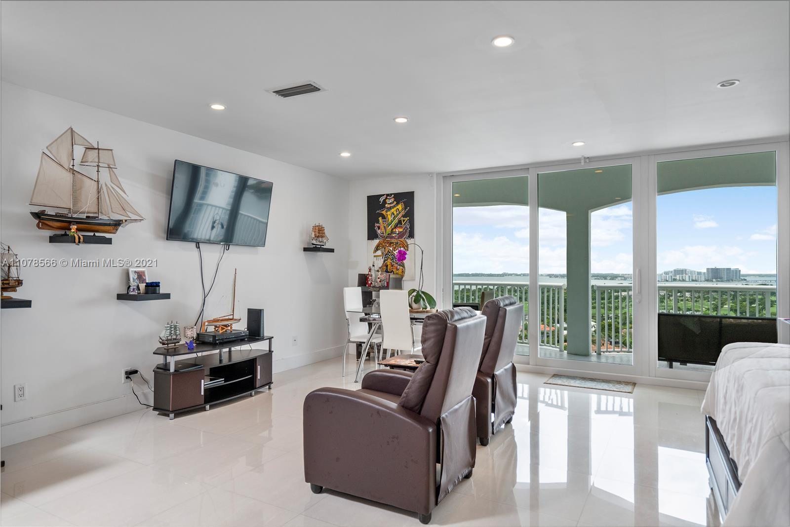 5401 Collins Ave #1524 photo013