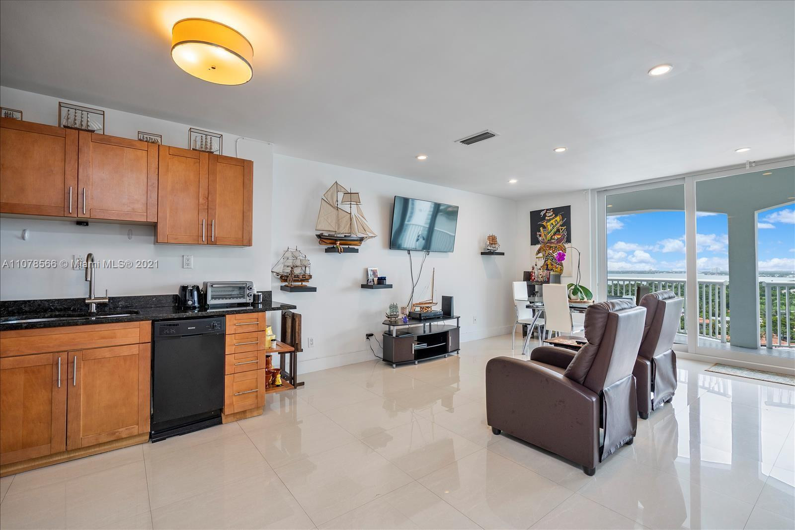 5401 Collins Ave #1524 photo011