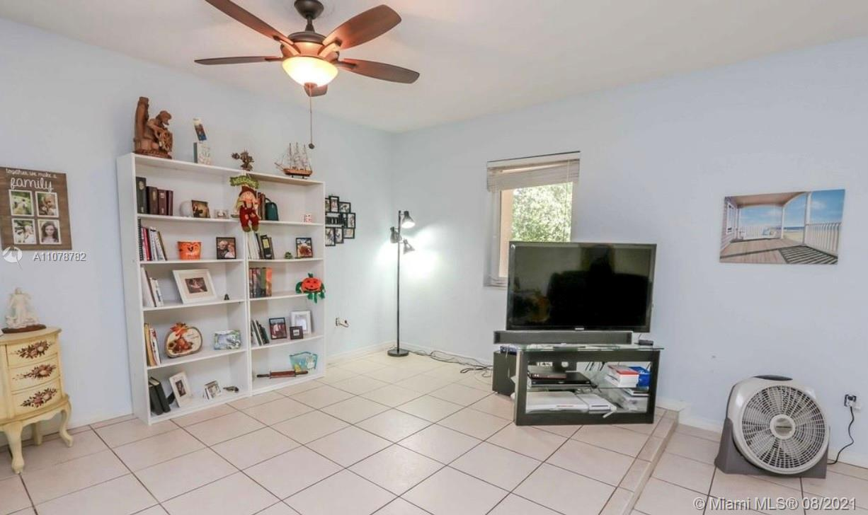 Photo of 8102 SW 103rd St, Home