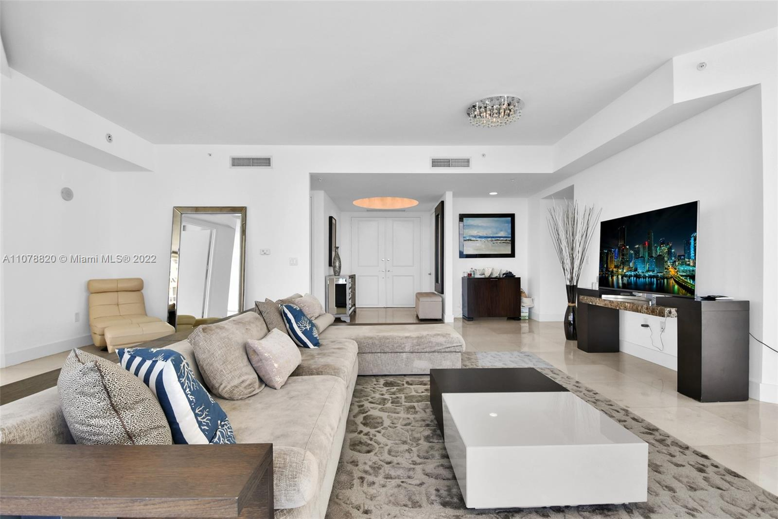 18101 Collins Ave #3309 photo05