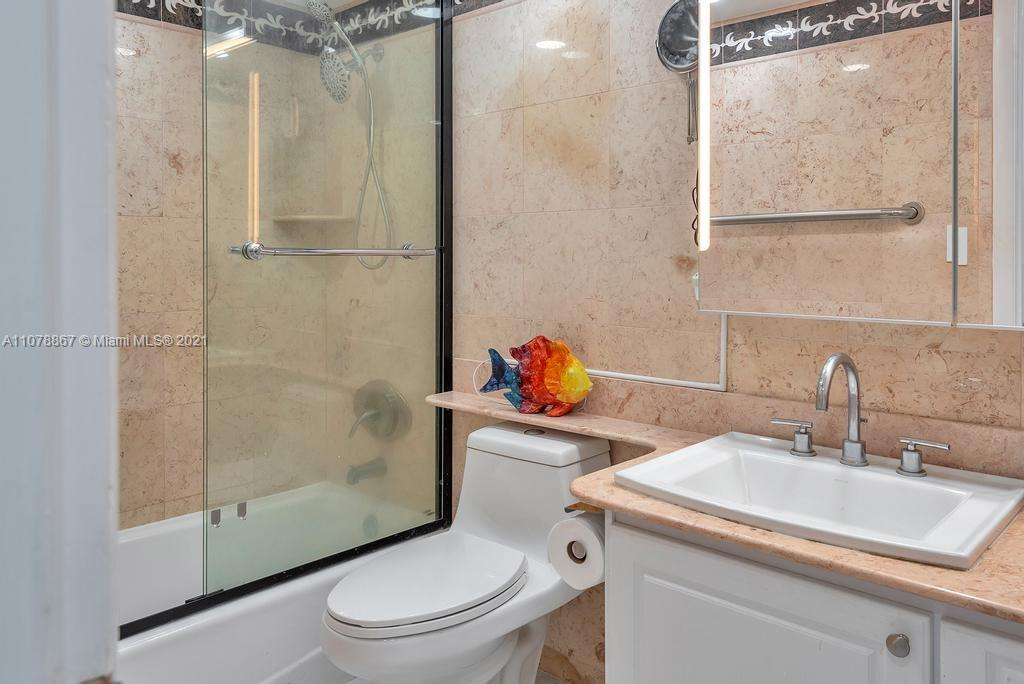 5555 Collins Ave #7G photo027