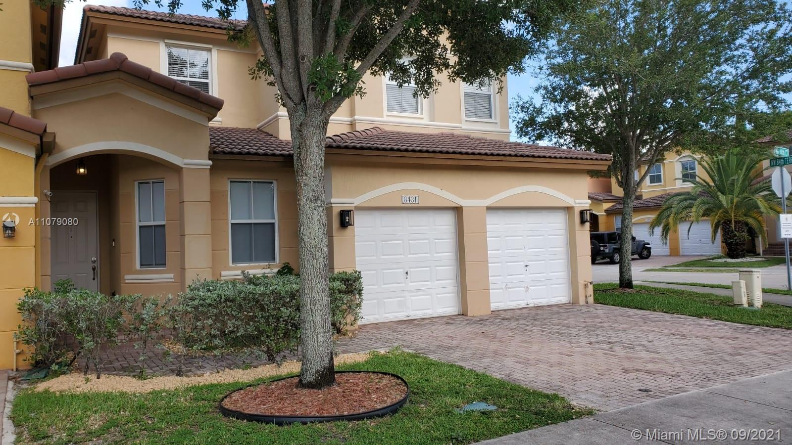 Islands At Doral - 8431 NW 114th ct, Doral, FL 33178