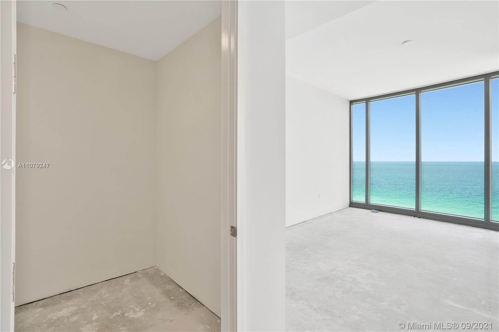 15701 Collins Ave #802 photo07