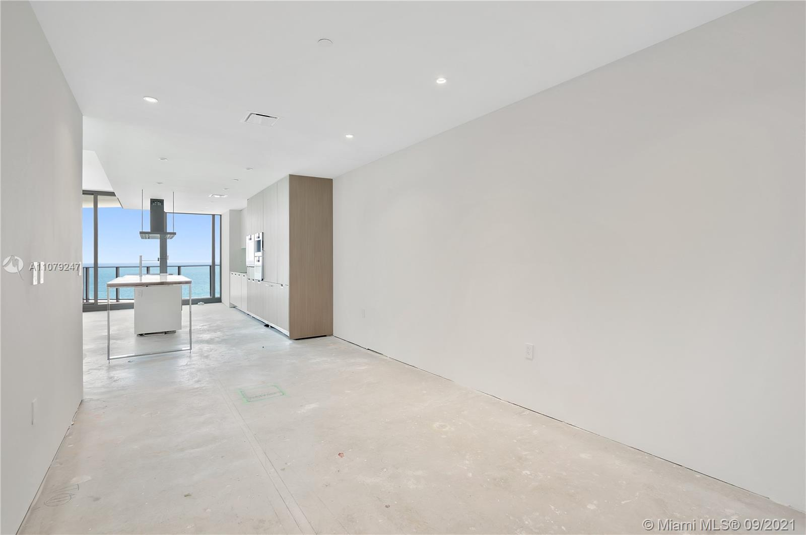15701 Collins Ave #802 photo015