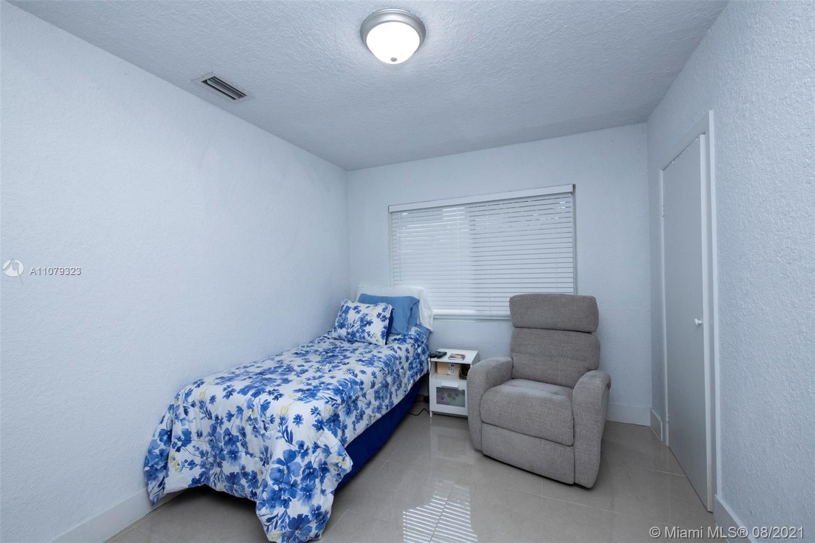 9425 N Miami Ave photo023