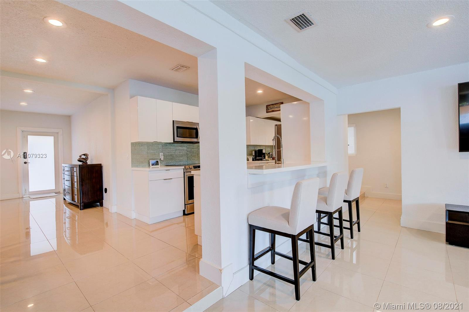 9425 N Miami Ave photo012