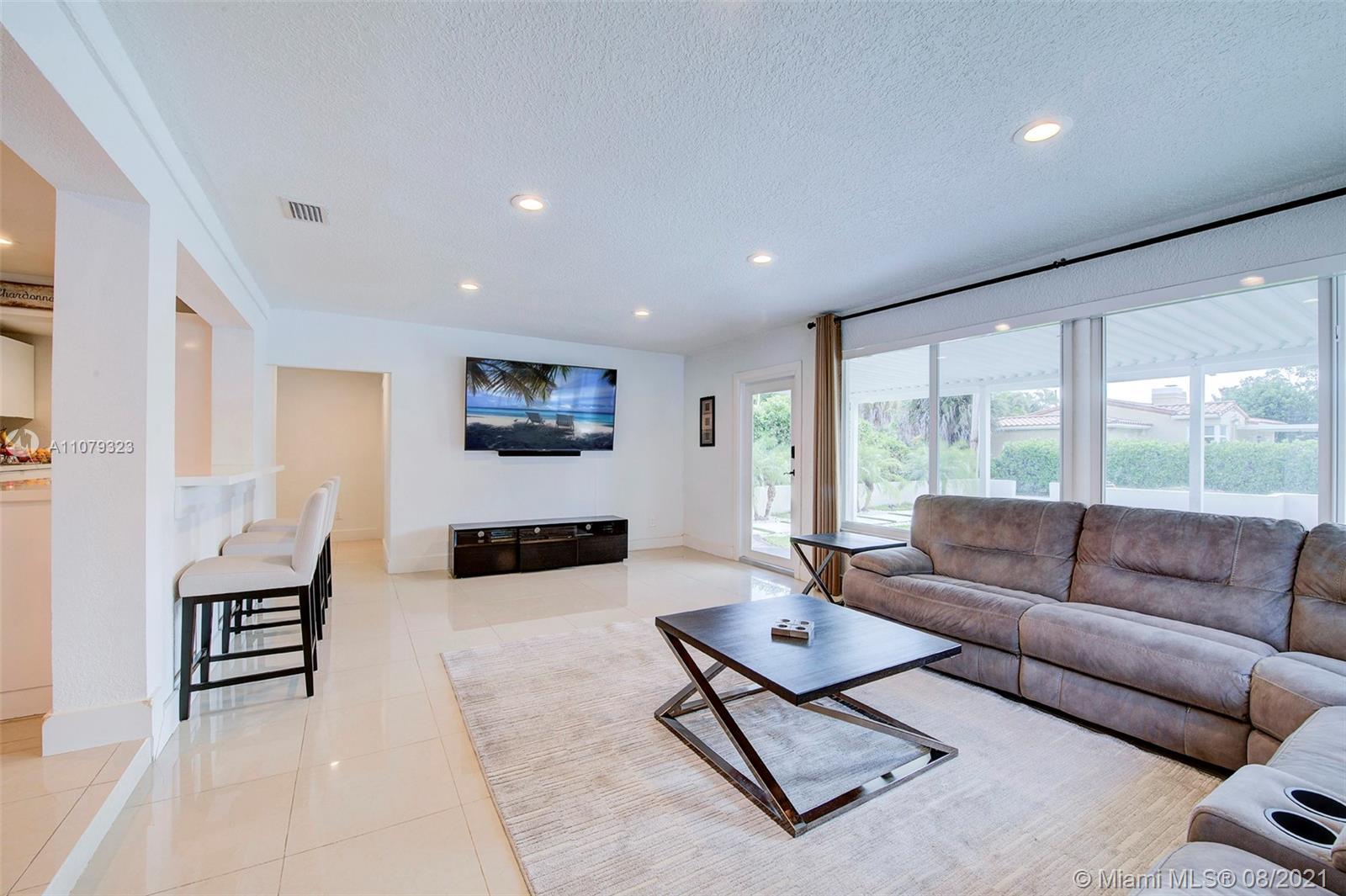 9425 N Miami Ave photo010