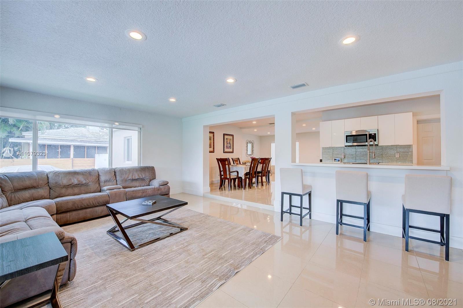 9425 N Miami Ave photo011