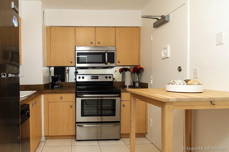 9195 Collins Ave #413 photo07