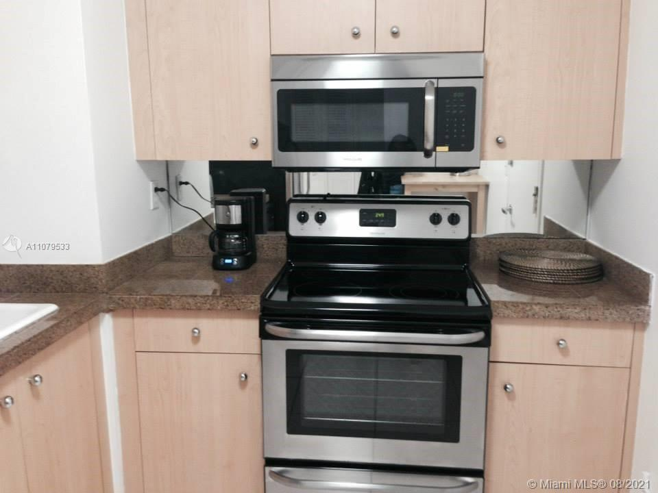 9195 Collins Ave #413 photo08