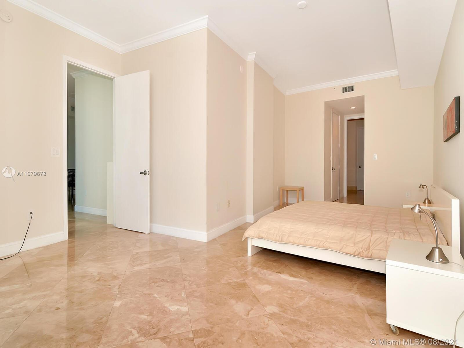 18101 Collins Ave #1806 photo027