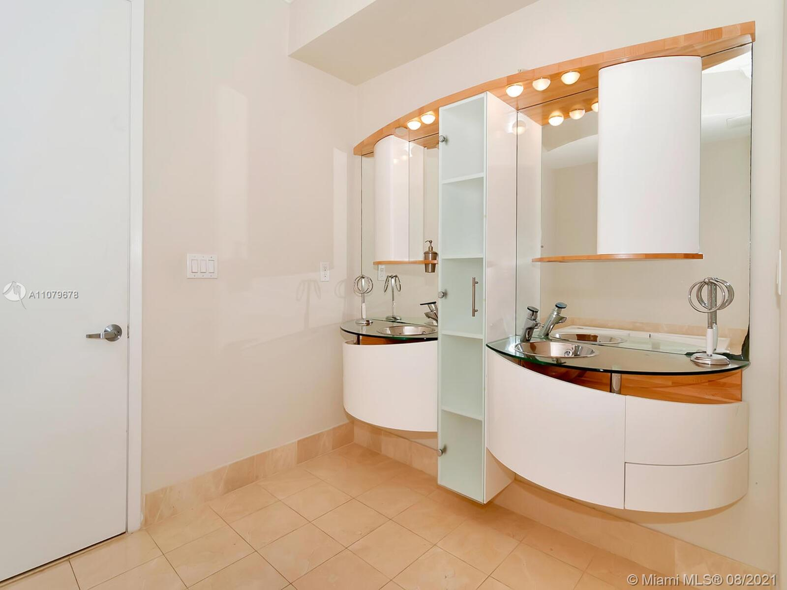 18101 Collins Ave #1806 photo030