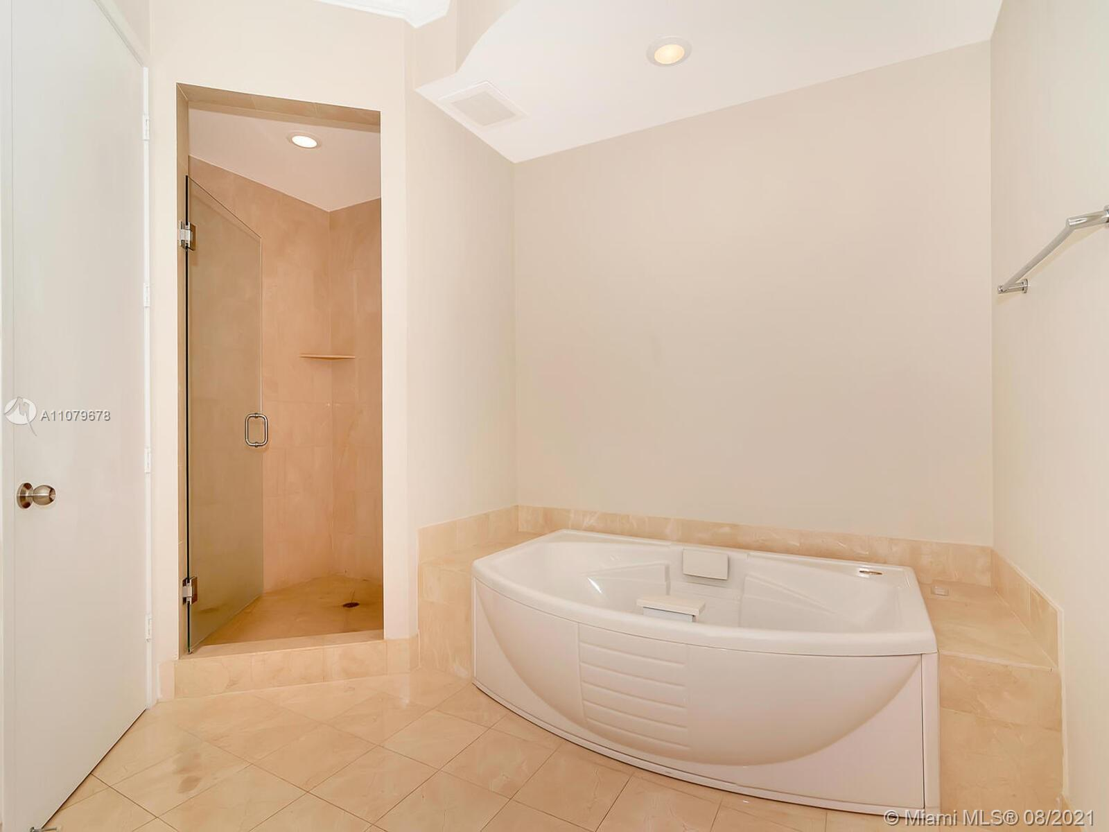 18101 Collins Ave #1806 photo031