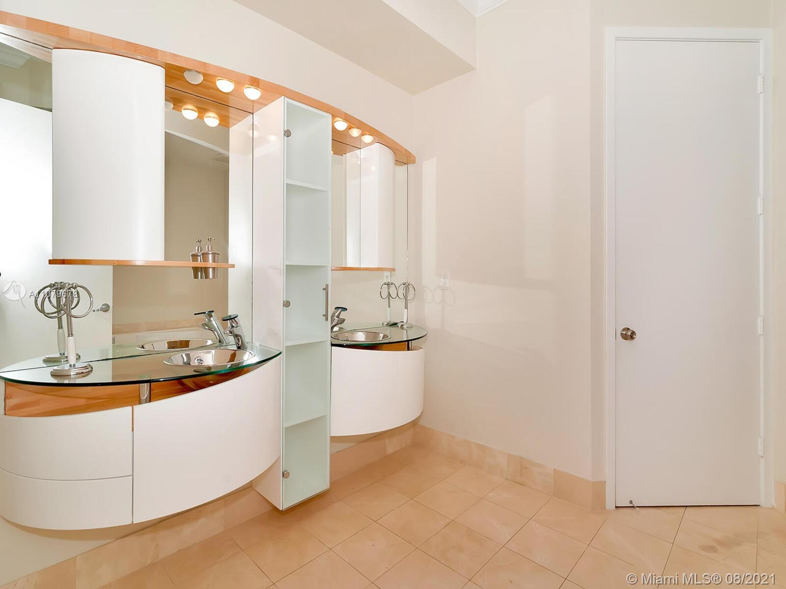 18101 Collins Ave #1806 photo029