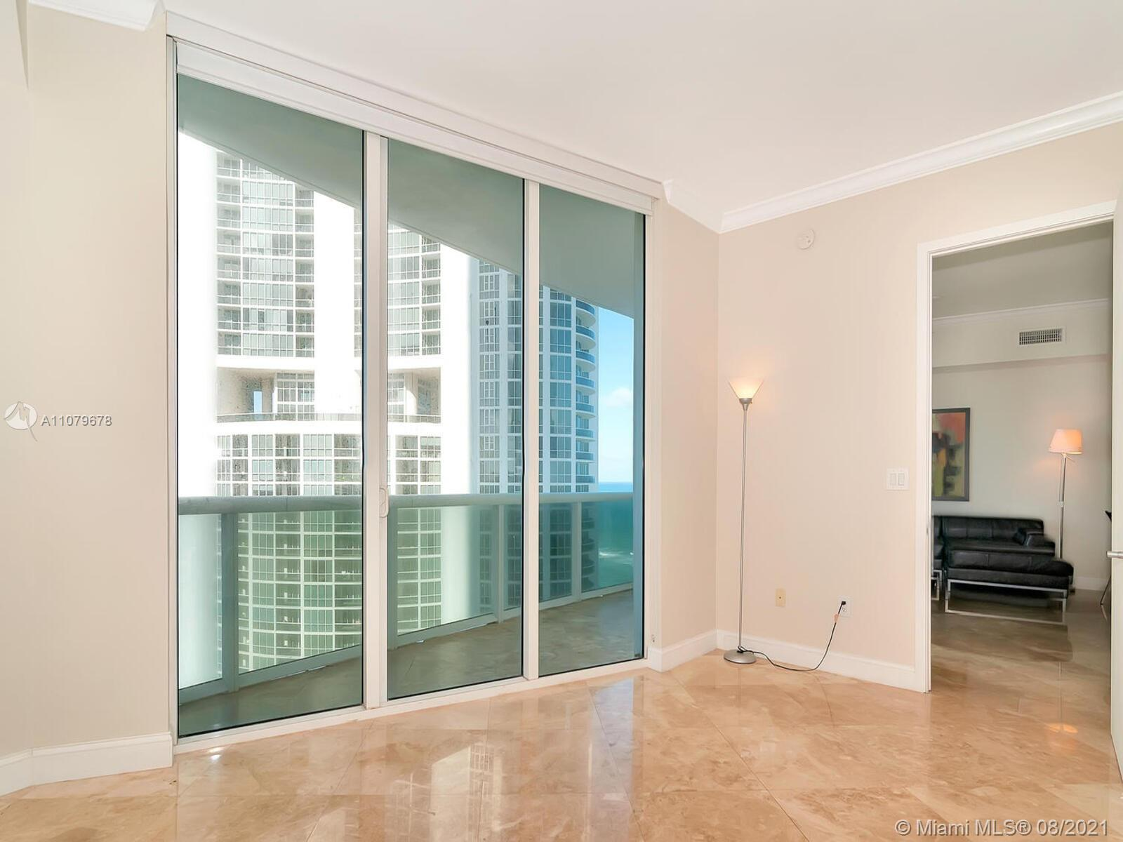 18101 Collins Ave #1806 photo025