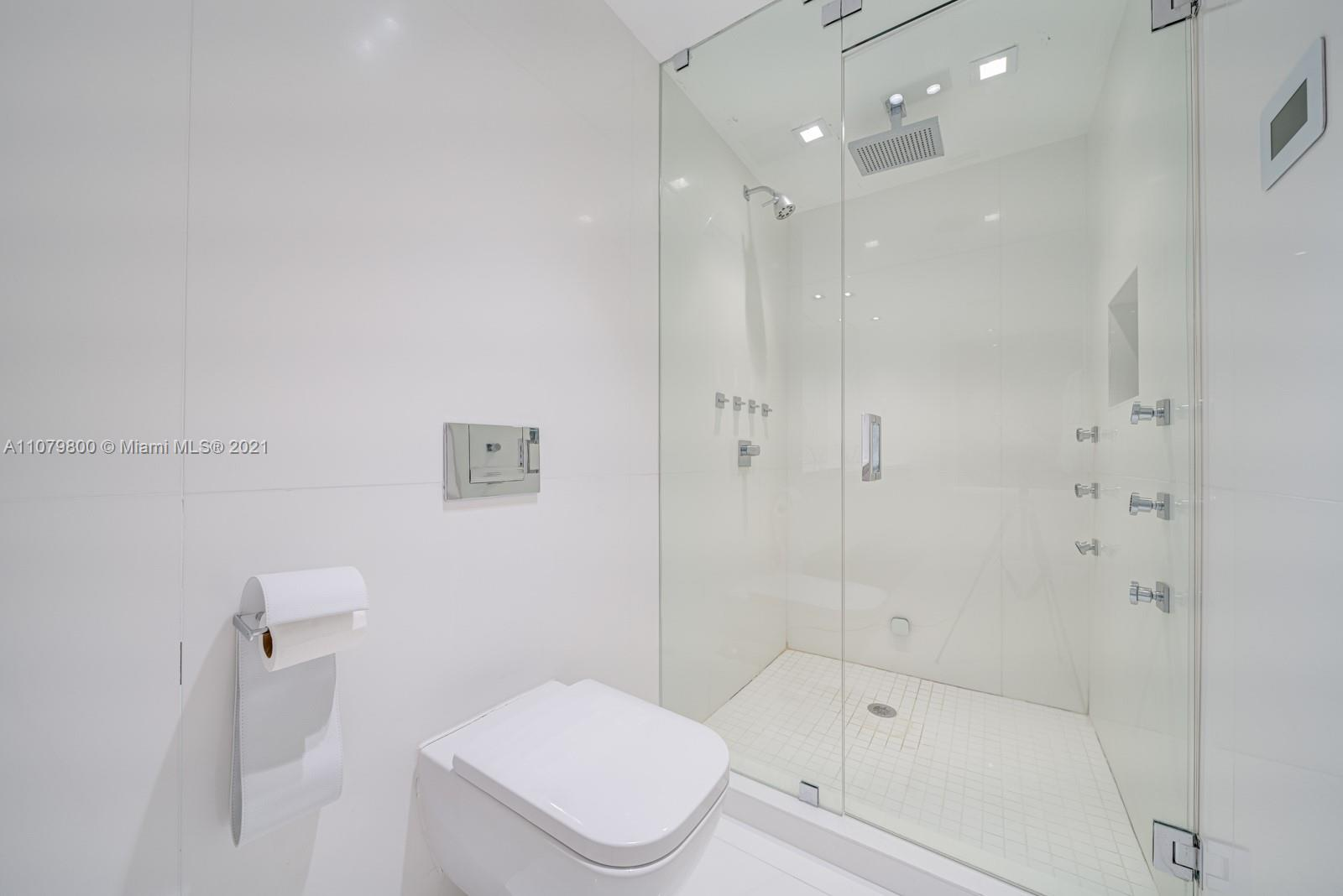 9601 Collins Ave #409 photo016