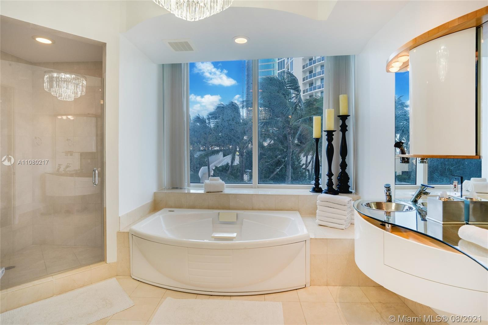 18101 Collins Ave #501 photo020
