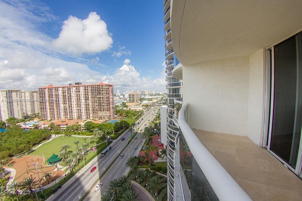 17201 Collins Ave #1706 photo03
