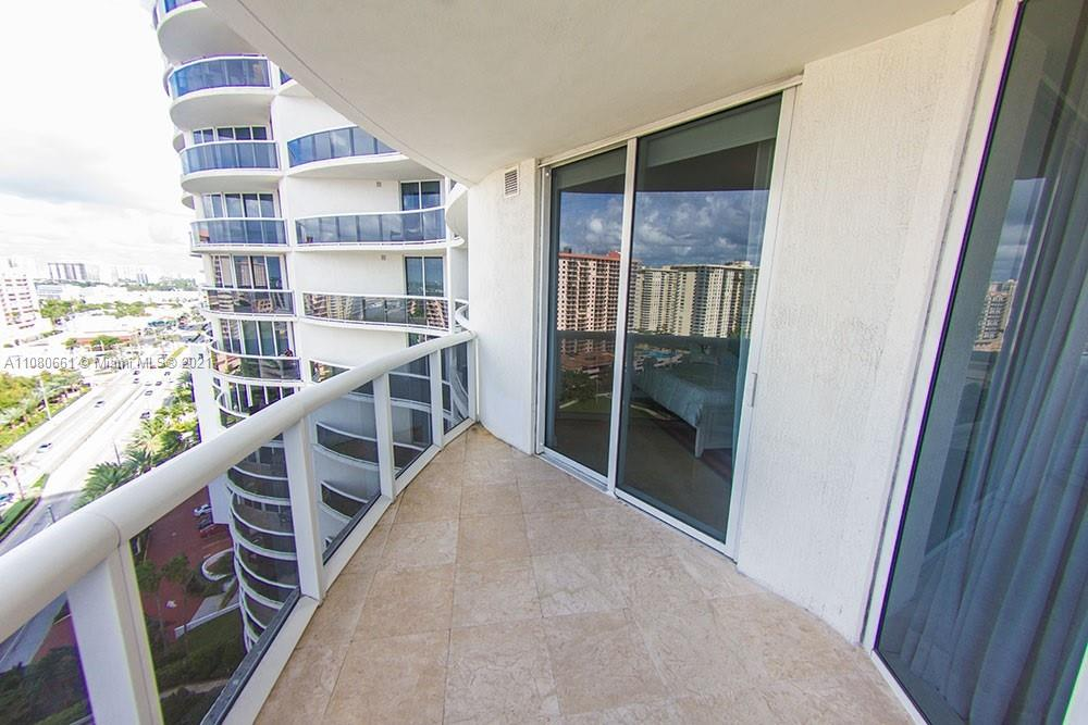 17201 Collins Ave #1706 photo030