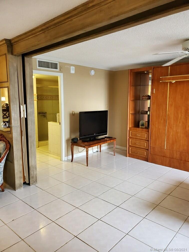 6039 Collins Ave #1534 photo09
