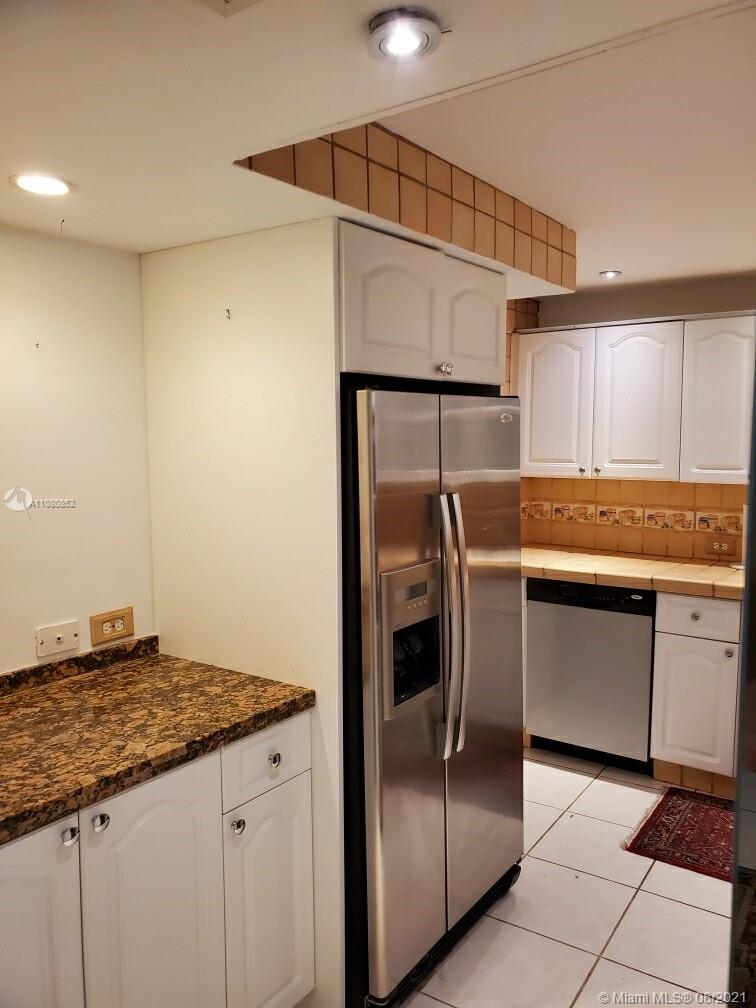 6039 Collins Ave #1534 photo018