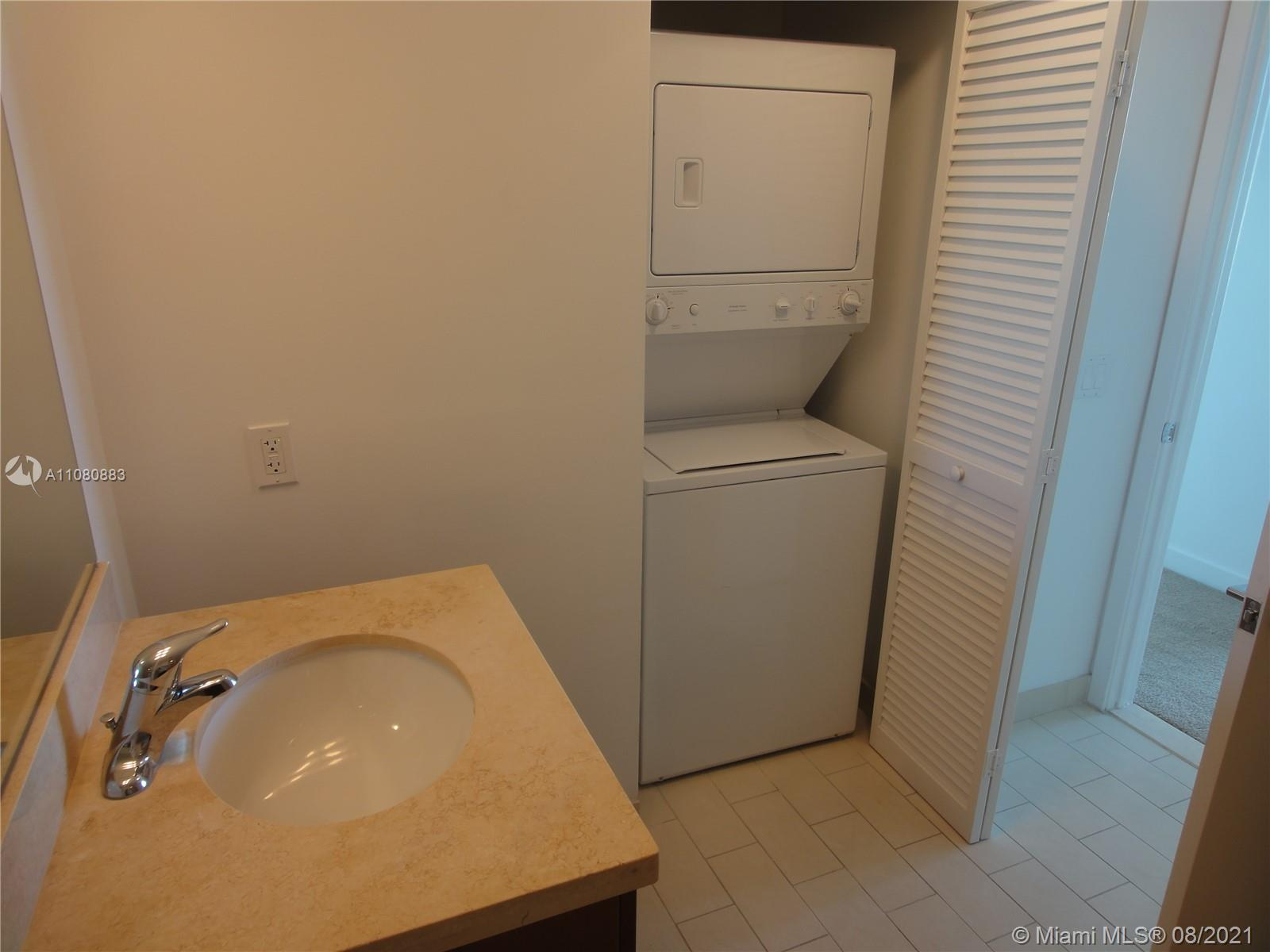 1111 SW 1st Ave #3122-N photo06