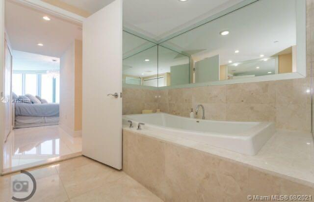 17001 Collins Ave #4004 photo012