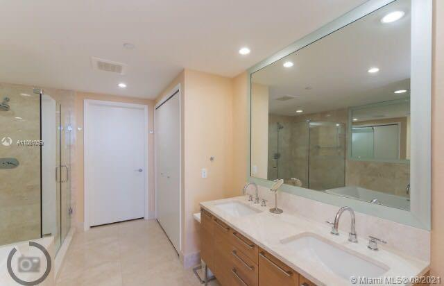 17001 Collins Ave #4004 photo011