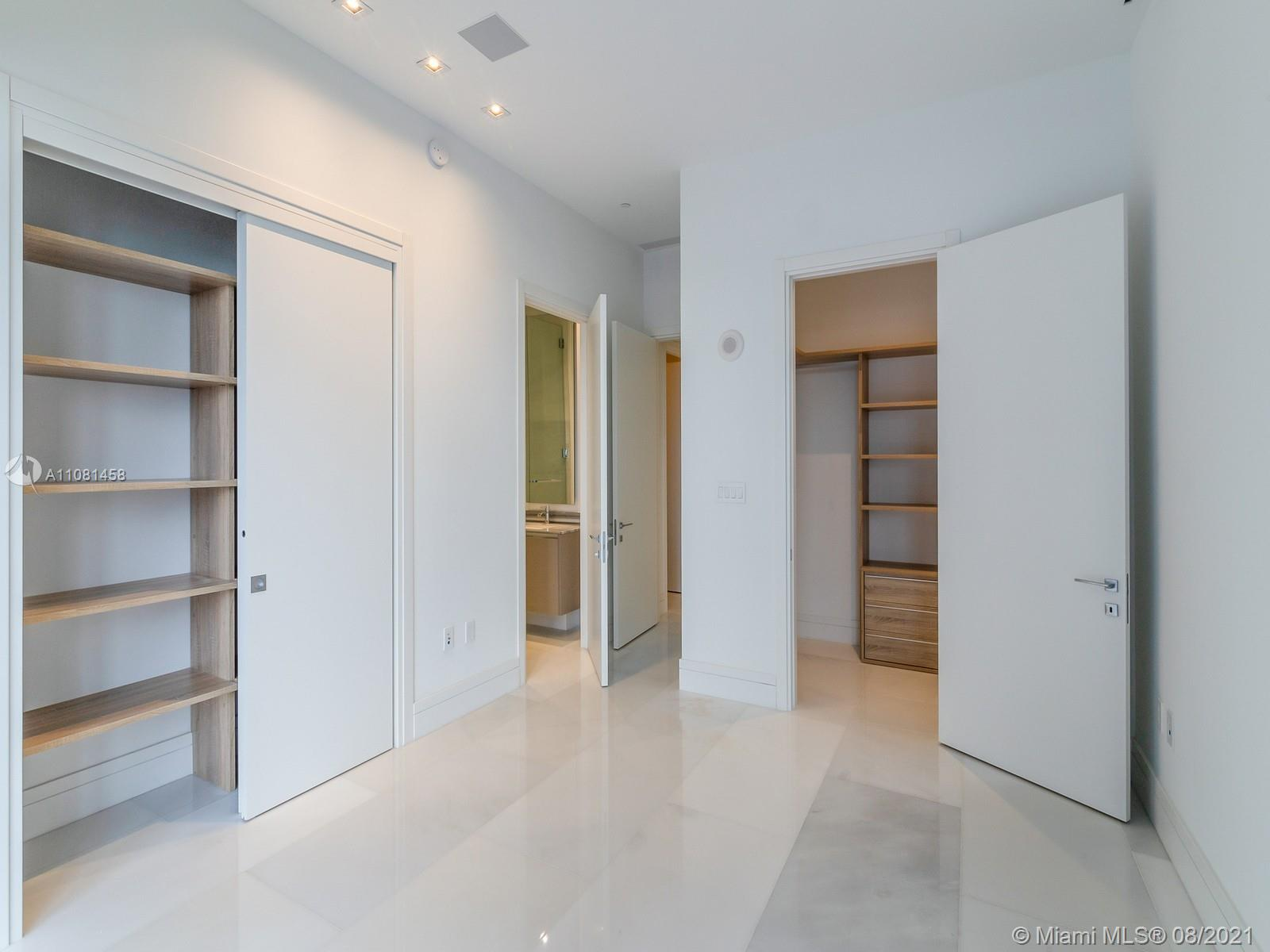 17141 Collins Ave #401 photo013
